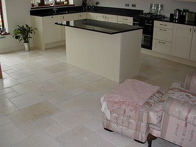 Salem Gold Limestone (Tumbled)